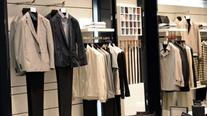 Make the Most of The Display Cabinets Used for A Retail Store